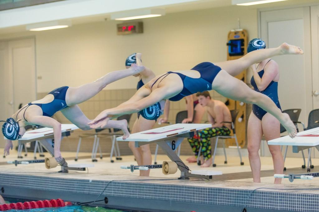 Swimming teams go to districts