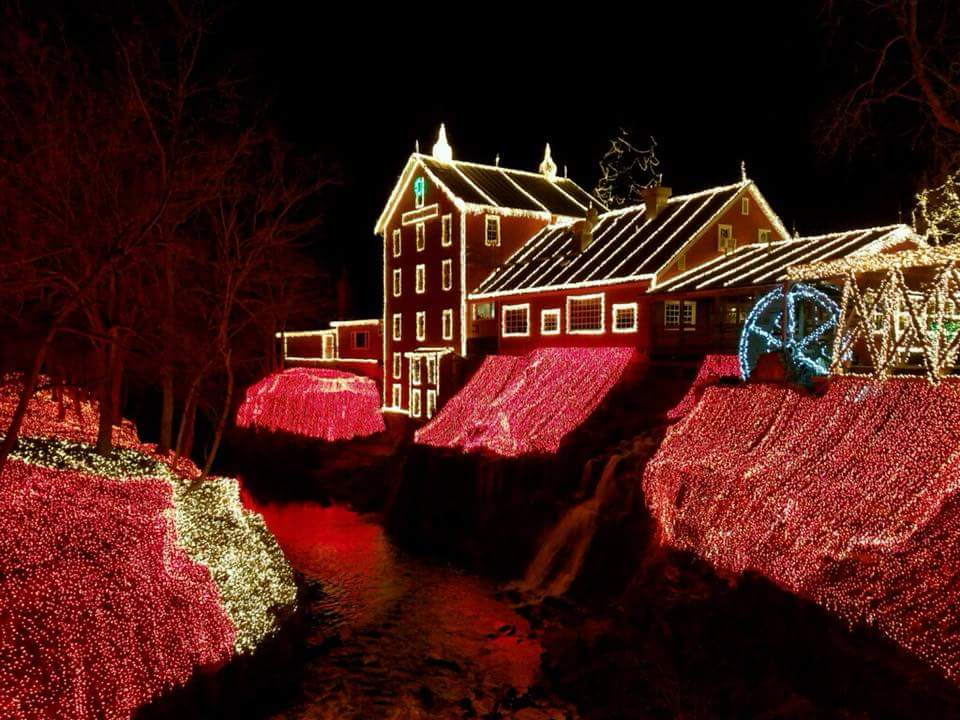 10+best+places+to+see+Christmas+lights+in+Ohio