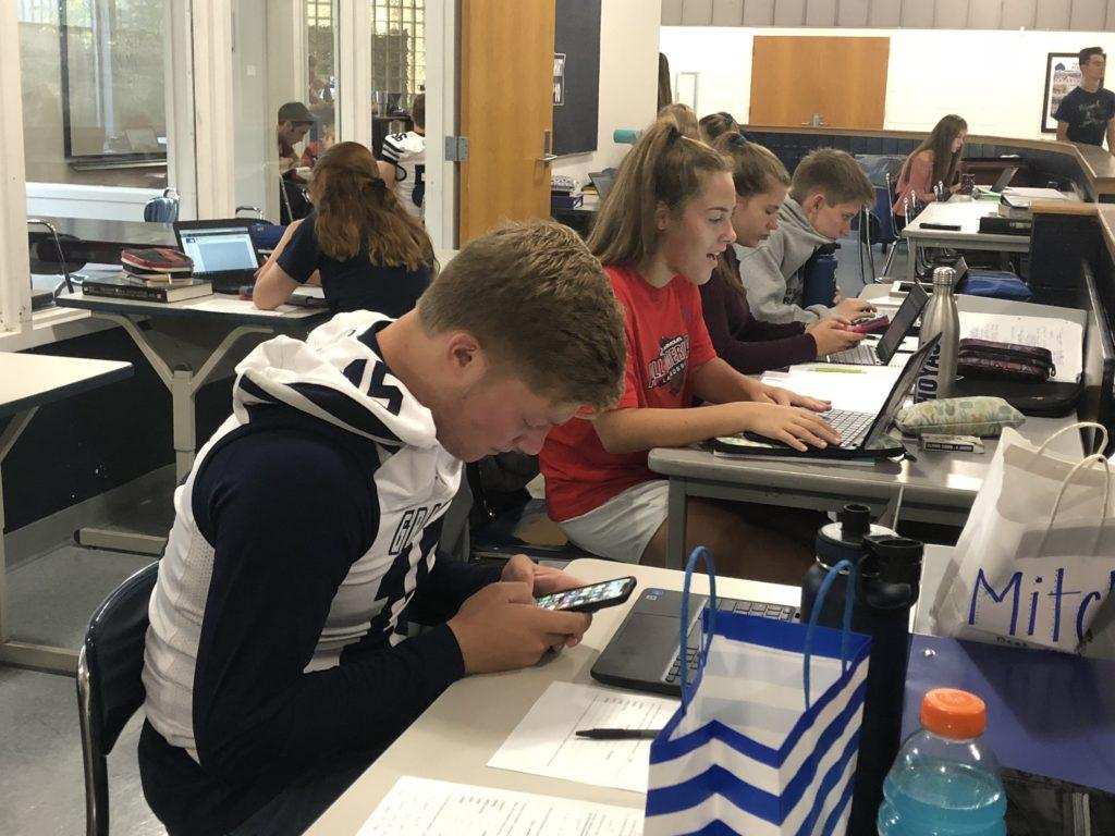District instates new phone policy to reduce classroom distractions