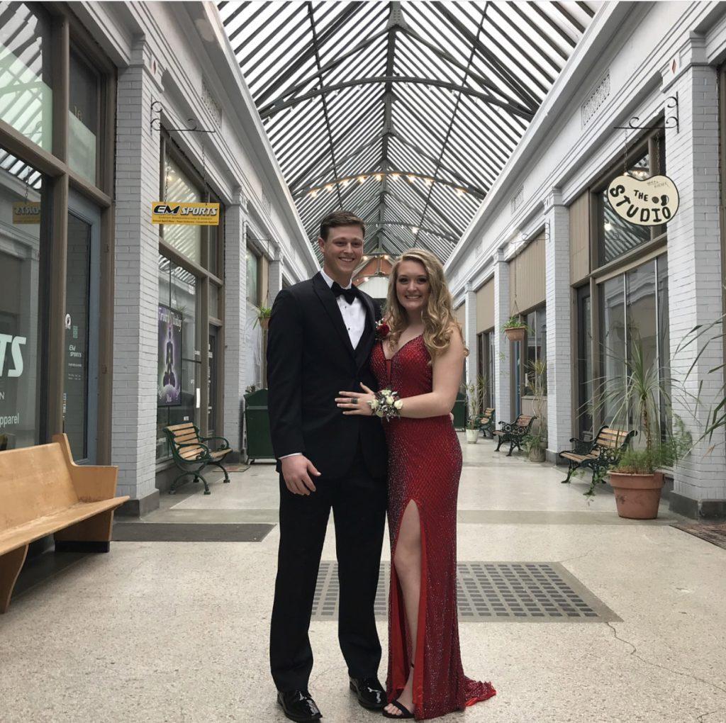 Looking for the best places for last minute Prom pictures?